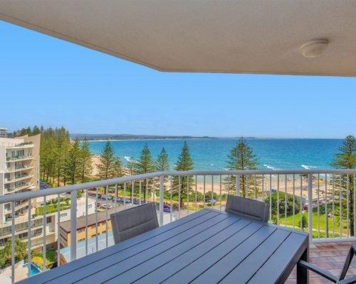 gold-coast-rainbow-bay-accommodation-12